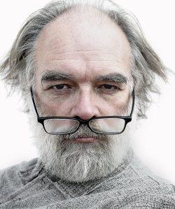 artist-elderly-glasses-25758